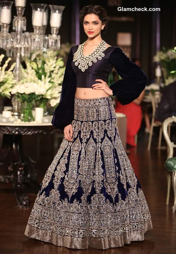 Deepika Padukone in Manish Malhotra Delhi Couture Week 2013