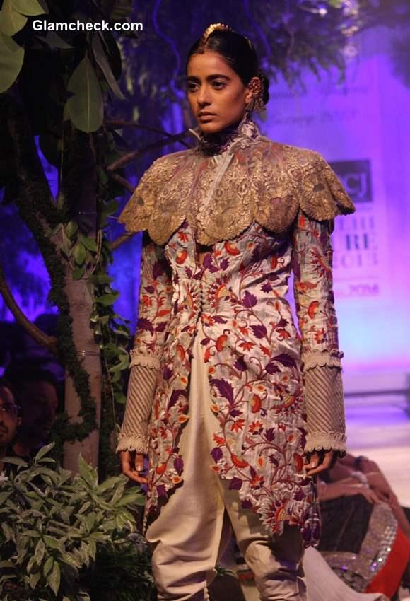 Delhi Couture Week 2013 Anamika Khanna