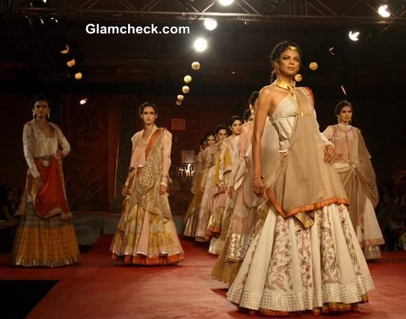 Delhi Couture Week 2013 Anju Modi bridal
