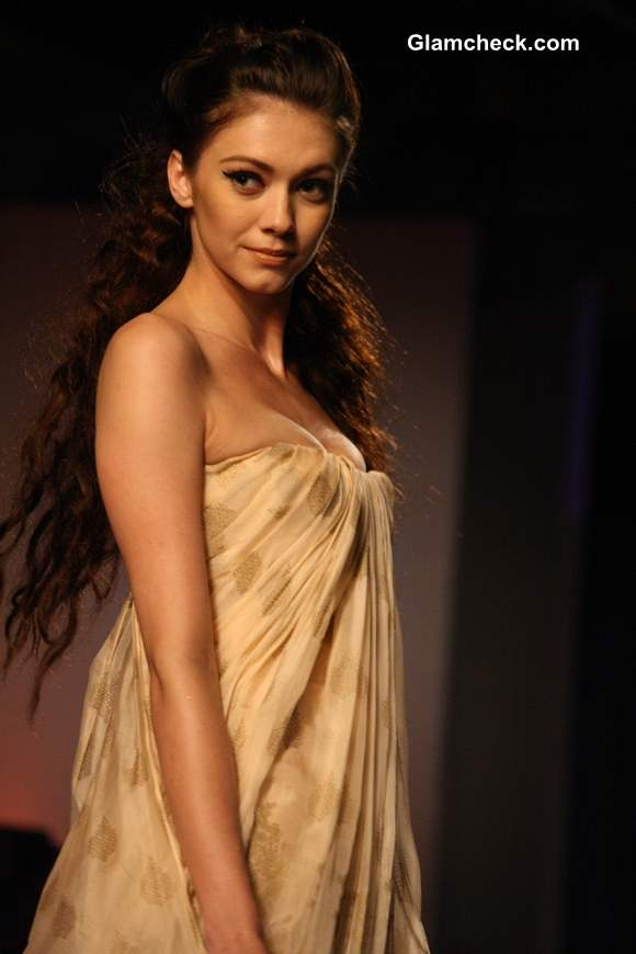 Delhi Couture Week 2013 Monisha Jaising show