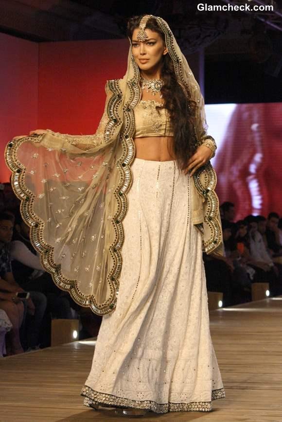 Delhi Couture Week 2013 Monisha Jaising