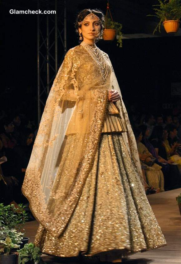 Delhi Couture Week Day 1 – Sabyasachi Collection Sabyasachi Bridal Collection 2013