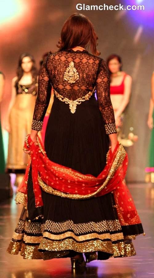 Huma Qureshi  IIJW 2013 Auro Gold