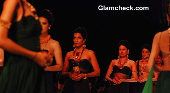 IIJW 2013 – Day 1 Mugdha Godse for Apali Jewellers