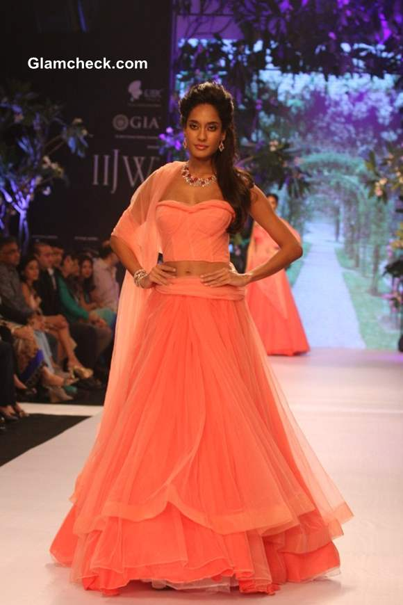 IIJW 2013 Lisa Hayden at Nirav Modi show