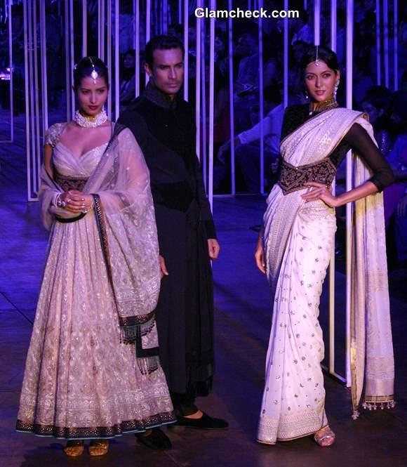 India Bridal Fashion Week 2013 Tarun Tahiliani Grand Finale collection