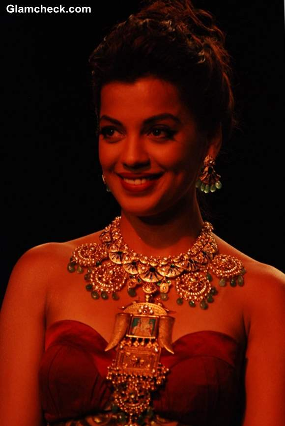 India International Jewelry Week 2013 Mugdha Godse for Apali Jewellers