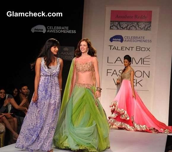 Kalki Koechlin For Anushree Reddy at LFW Winter-Festive 2013
