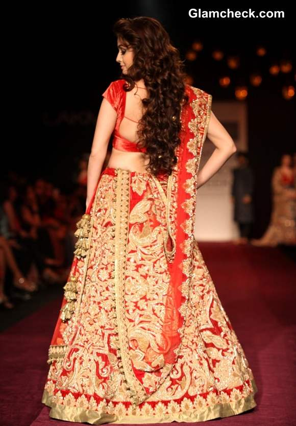 Dia Mirza For Shyamal And Bhumika At Lfw Winter Festive 2013