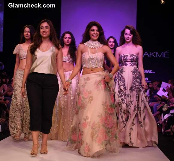 LFW Winter-Festive 2013 Jacqueline Fernandez for Shehla Khan