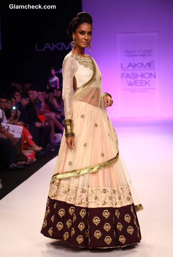 Lisa Hayden for Payal Singhal at LFW 2013