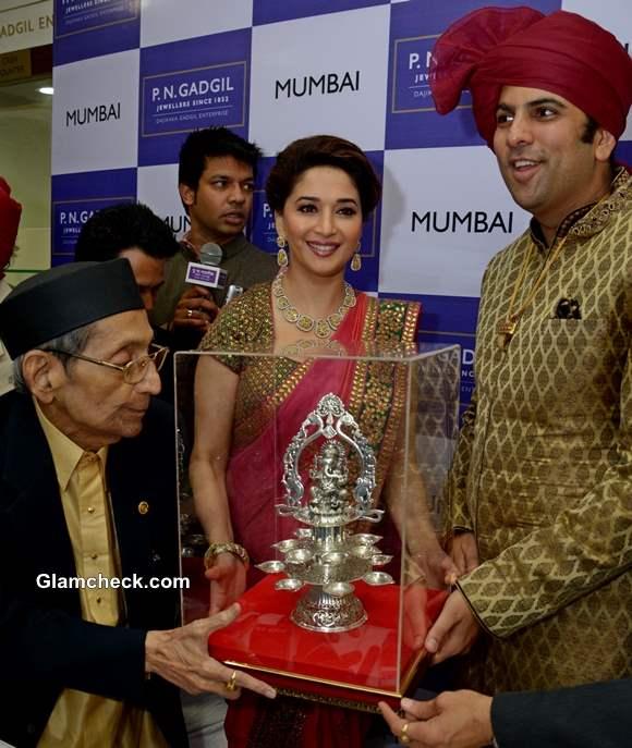 Madhuri Dixit Inaugurates Jewellery Store in Mumbai