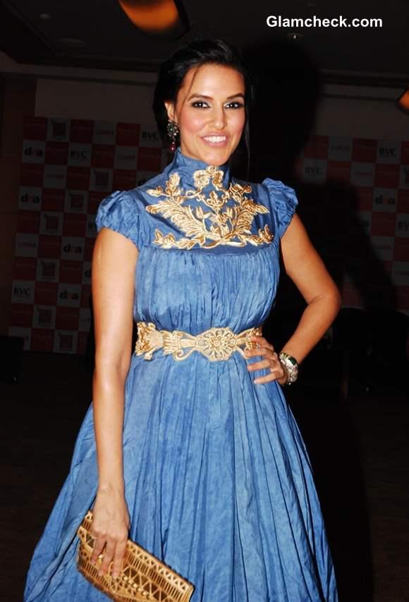 Neha Dhupia at Jewellers Awards 2013