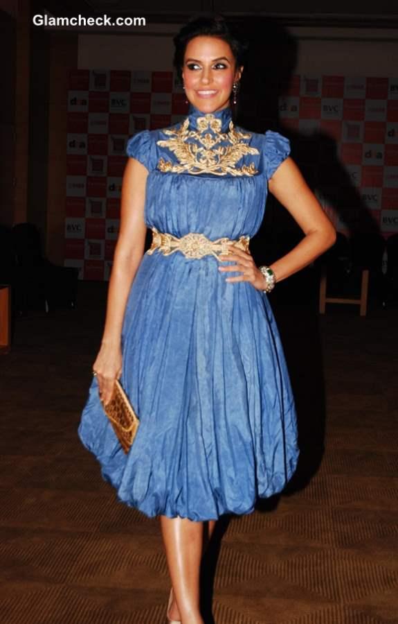 Neha Dhupia in Shantanu Goenka Blue Dress at Jewellers Awards 2013