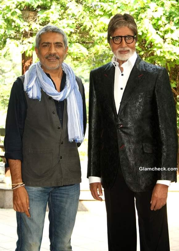 Prakash Jha Big B Jet to Delhi for Photoshoot to promote their film Satyagraha