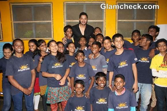 Shreyas Talpade Bonds With NGO Girls on Raksha Bandhan