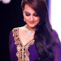 Sonakshi Sinha IIJW 2013 Gitanjali Beti collection