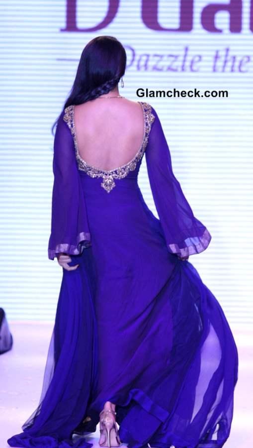 Sonakshi Sinha purple gown IIJW 2013 Gitanjali Beti collection