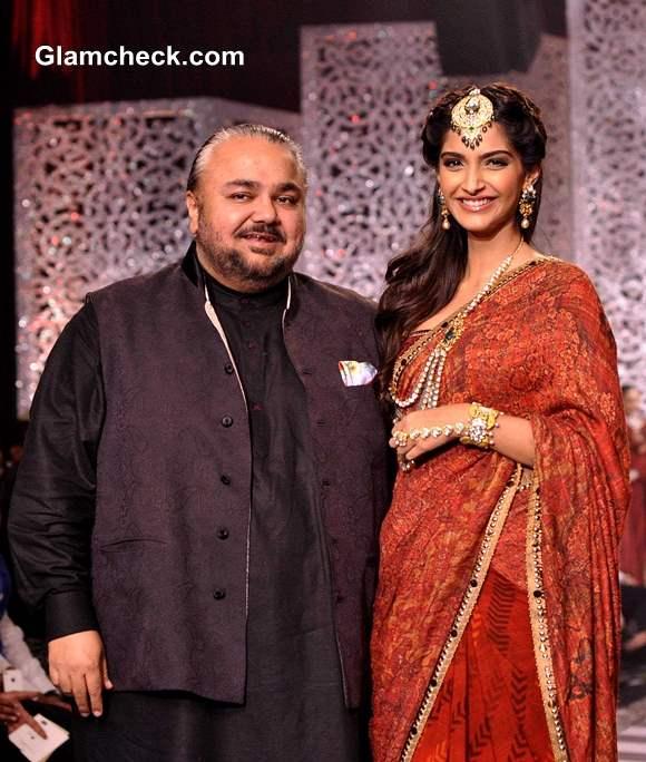 Sonam Kapoor at  IIJW 2013 Grand Finale