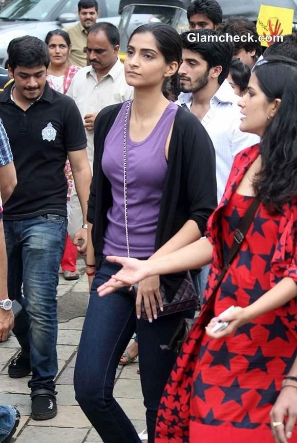 Sonam Kapoor in Silent Protest against Mumbai Gangrape