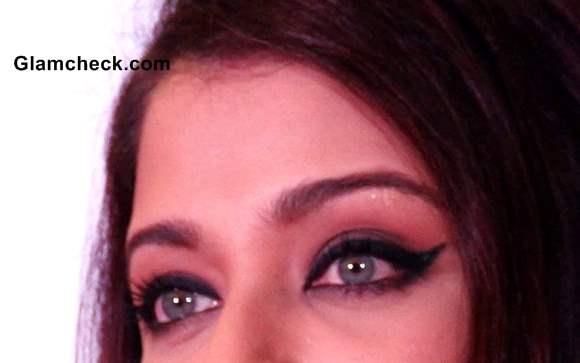 Aishwarya Rai Eye Makeup how to winged eyeliner