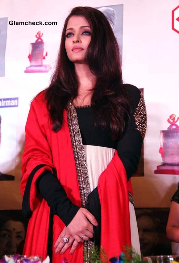 Aishwarya Rai in Sabyasachi Anarkali suit at Giants International Awards 2013