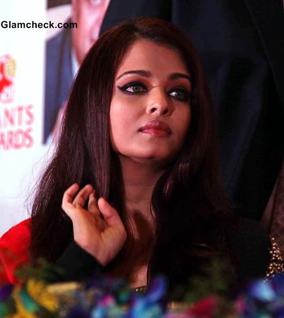Aishwarya Rai in Sabyasachi at Giants International Awards 2013