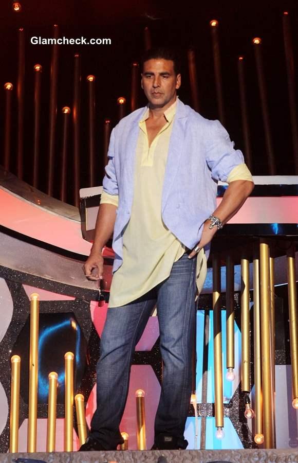 Akshay Kumar Promoting Boss on Dance India Dance