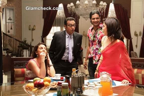 Anisa Gulshan Grover Ali Fazal and Amrita Raichand in Baat Bann Gayi Movie 2013
