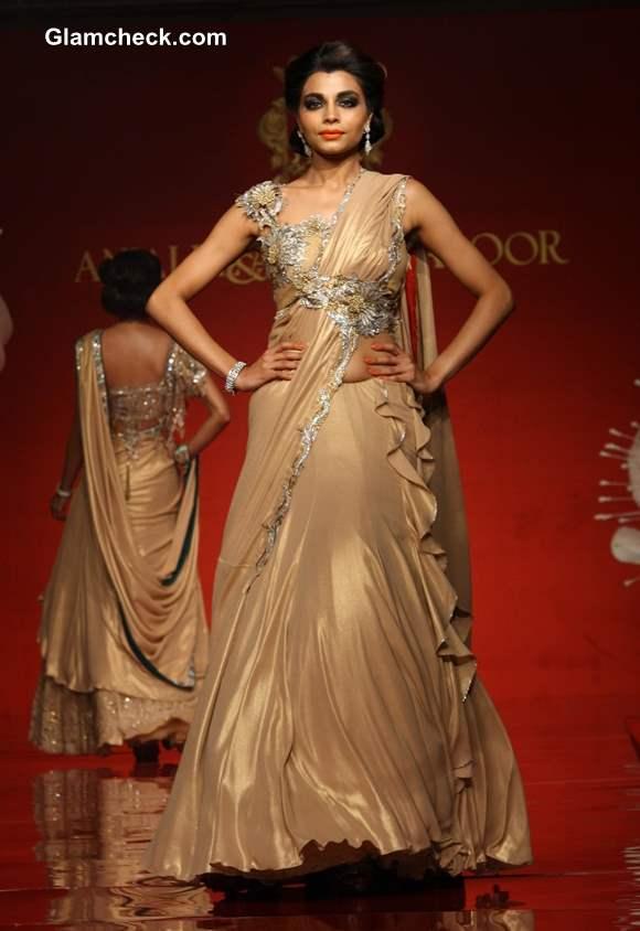 Anjalee Arjun Kapoor Jamawar Aria Collection