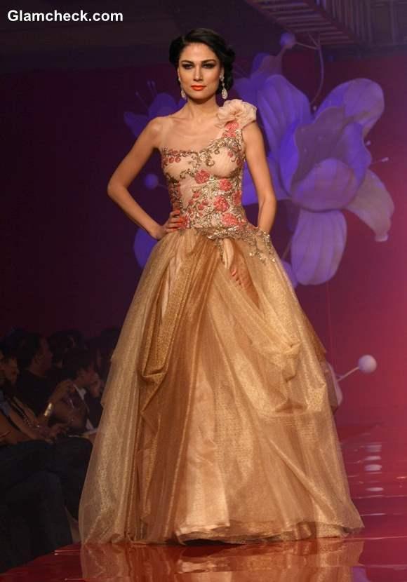 Anjalee and Arjun Kapoor Jamawar Aria Couture Collection 2013