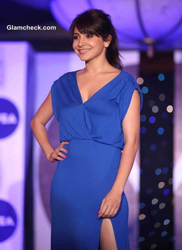 Anushka Sharma 2013 NIVEA Flaunt Your Back Video Rock the Ramp contest