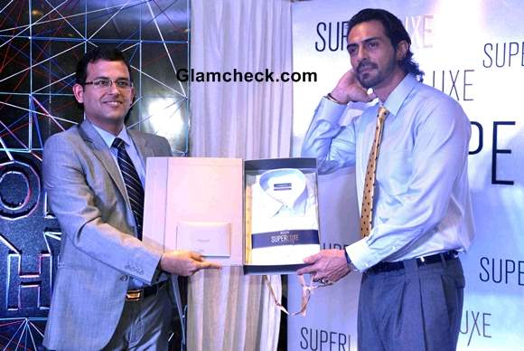Arjun Rampal at the launch of Arrow Superluxe Stitch-less Shirts