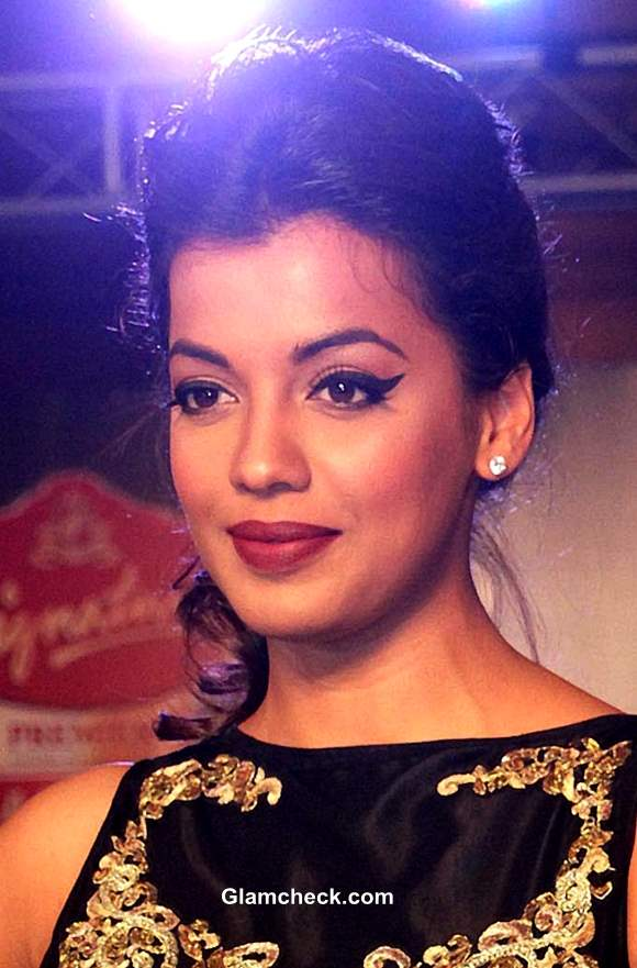 Bollywood Celebrities Sporting The Winged Eyeliner Mugdha Godse