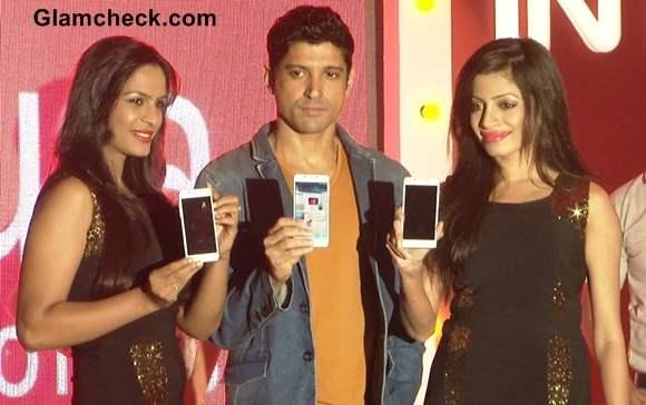 Farhan Akhtar Launches Intex Aqua i7 Smartphone in Mumbai