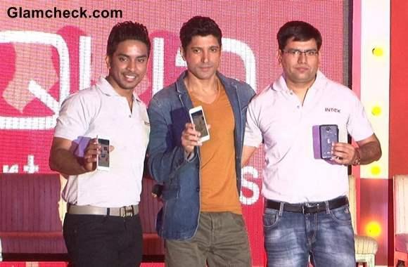 Farhan Akhtar Launches Intex Aqua i7 Smartphone