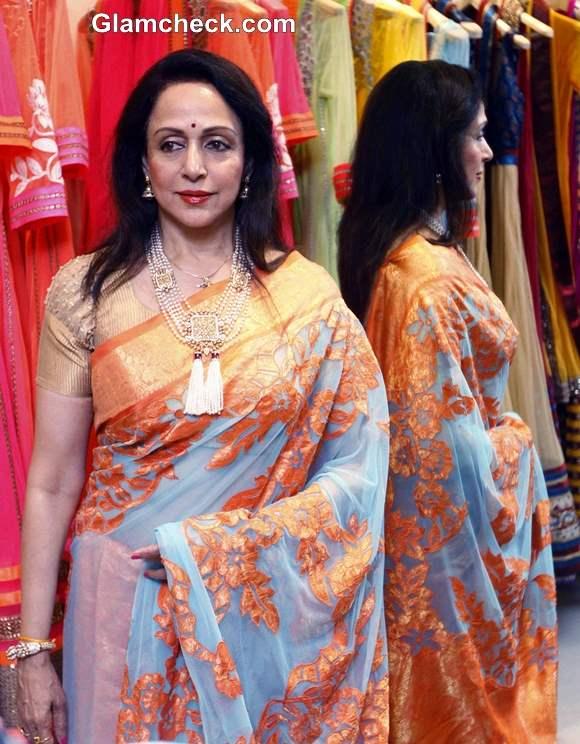 Hema Malini Promotes Neeta Lulla New Sari Collection in Mumbai