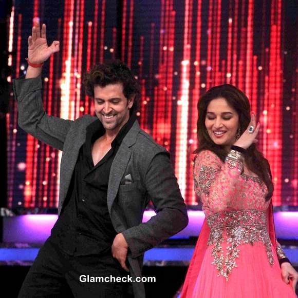 Hrithik and Madhuri dance on Jhaak Dikhlaa Ja Season Finale 2013