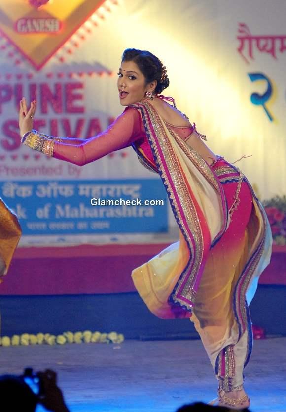 Ishaa Koppikar at  the Pune festival 2013 in Pune