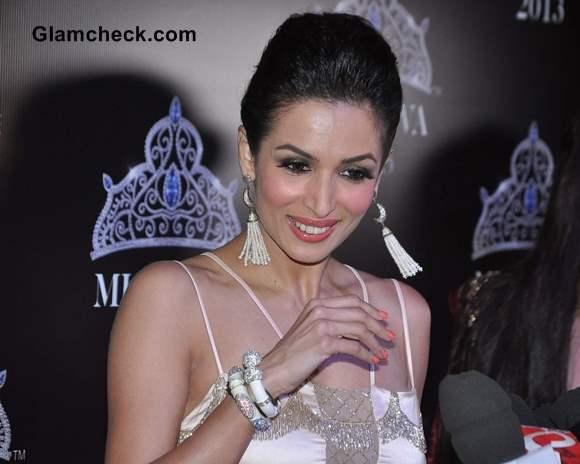 Malaika Arora Khan at Miss Diva 2013 red carpet