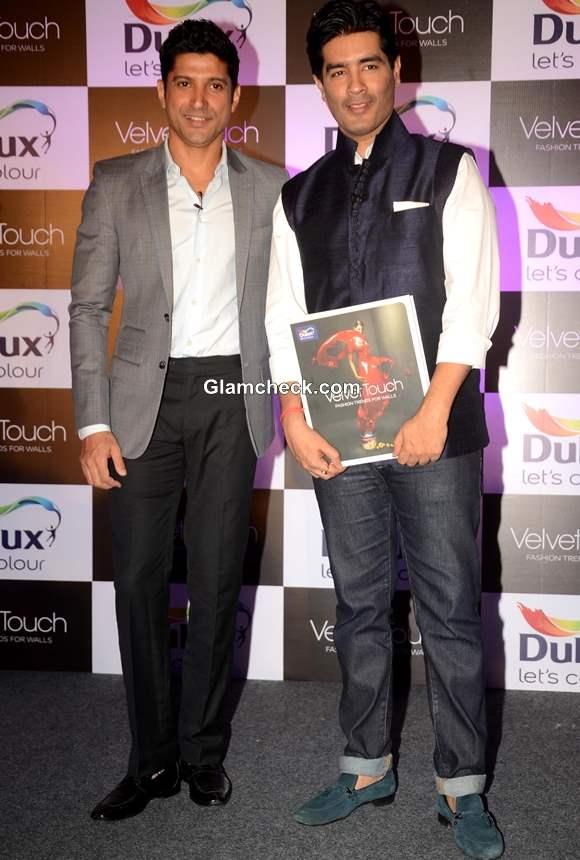 Manish Malhotra Farhan Akhtar Unveil New Dulux Velvet Touch