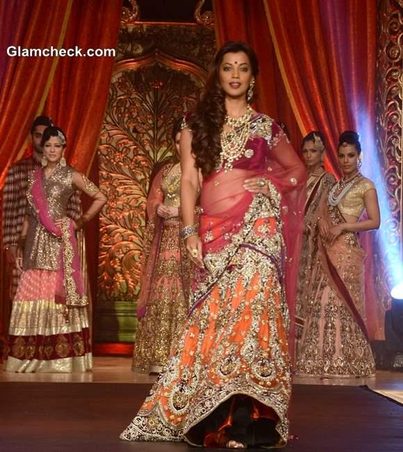 Mugdha Godse at Vikram Phadnis Bridal Couture Collection 2013