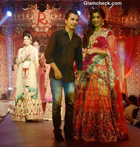 Mugdha Godse  for Vikram Phadnis Bridal Couture Collection 2013