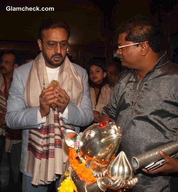 Music Launch of Raqt at Andheri Cha Raja 2013