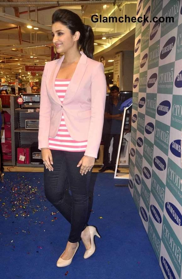 Parineeti Chopra Sweet in Pink Blazer at Samsung Galaxy Note 3 Launch
