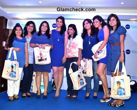 Parineeti Chopra in Blue Dress with Winners of Nivea Contest