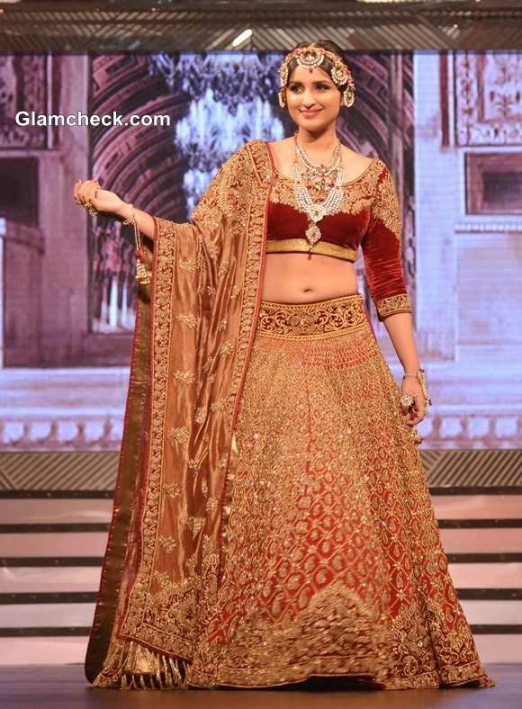 Parineeti Chopra in Lehenga at Yash Chopra Fashion Show Pictures
