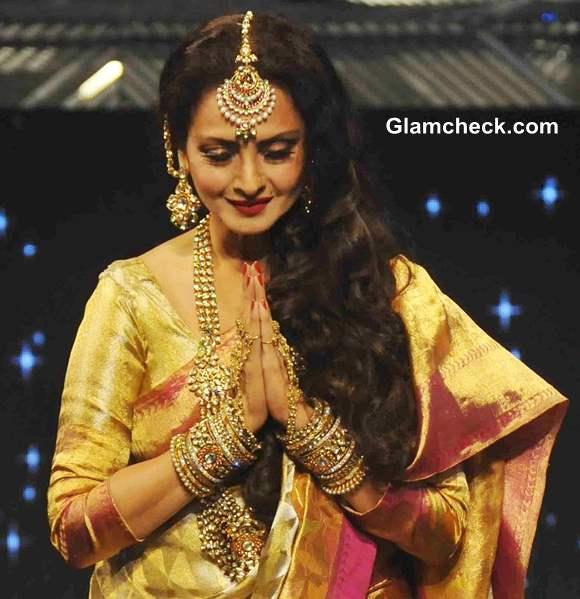 Rekha 2013 pics Yash Chopra at Special Fashion Show