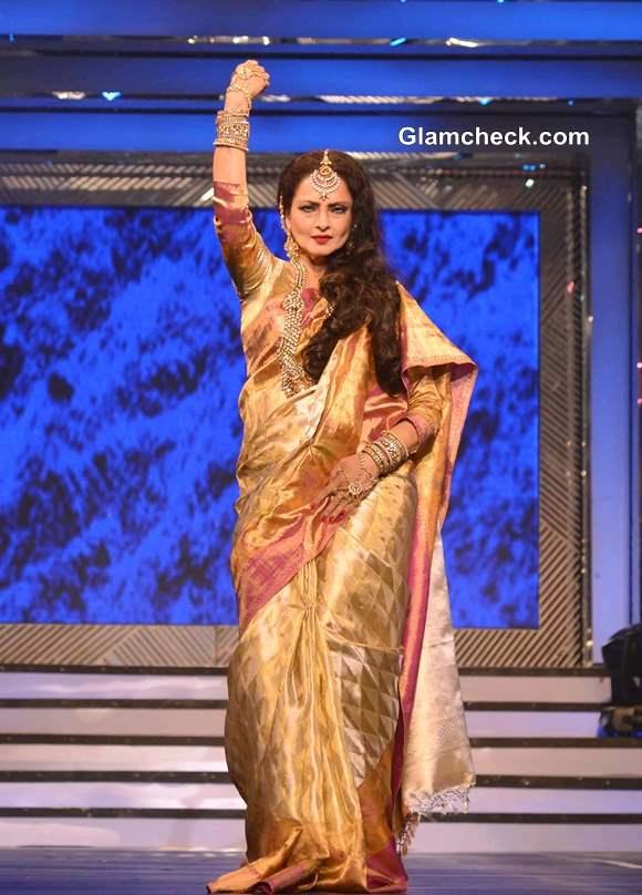 Rekha Pays Tribute to Late Yash Chopra