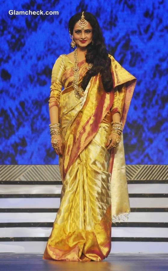 Rekha at Late Yash Chopra tribute Special Fashion Show